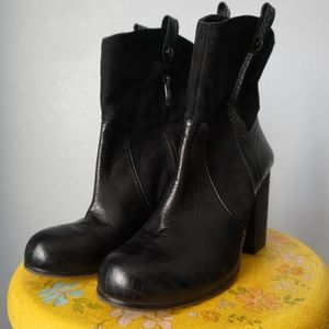 Vince Camuto Black Leather Heeled Boots Size 9.5